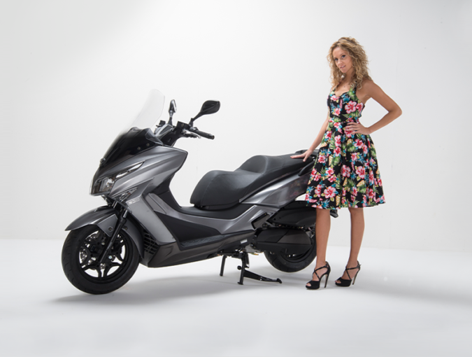 Kymco X-Town CT300i ABS: Επαναφέρει το σκούτερ στην κλασική του μορφή